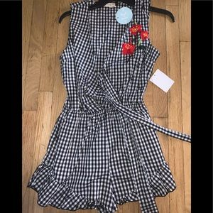 Romper checkered (check out matching sandals)